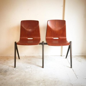 14570778 1020578931400882 6589107272936206070 o 300x300 Compass Leg Chair Netherlands Vintage 60s