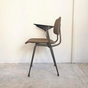 16715964 1157041271087980 8701678366912376568 o 300x300 Friso Kramer Revolt Arm Chair