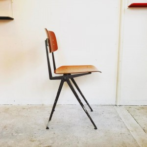 17814462 1214355235356583 9065746890611375144 o 300x300 Marko Vintage industrial chair オランダ