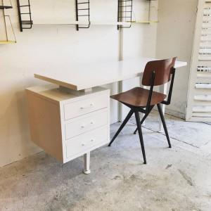 20229237 1317442288381210 8732727539219159241 n 300x300 Metal Frame Working desk